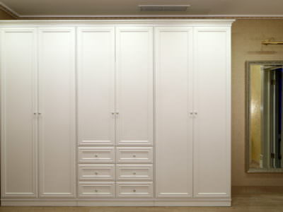 Шкаф-Распашной Белый с Карнизом